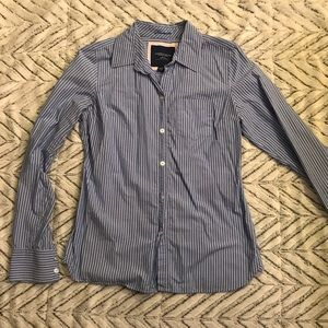 American Eagle blue and white striped button up 8